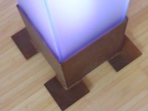 Sockel aus Corten-Stahl